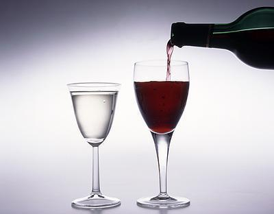 Wine_glass_alcohol_medium